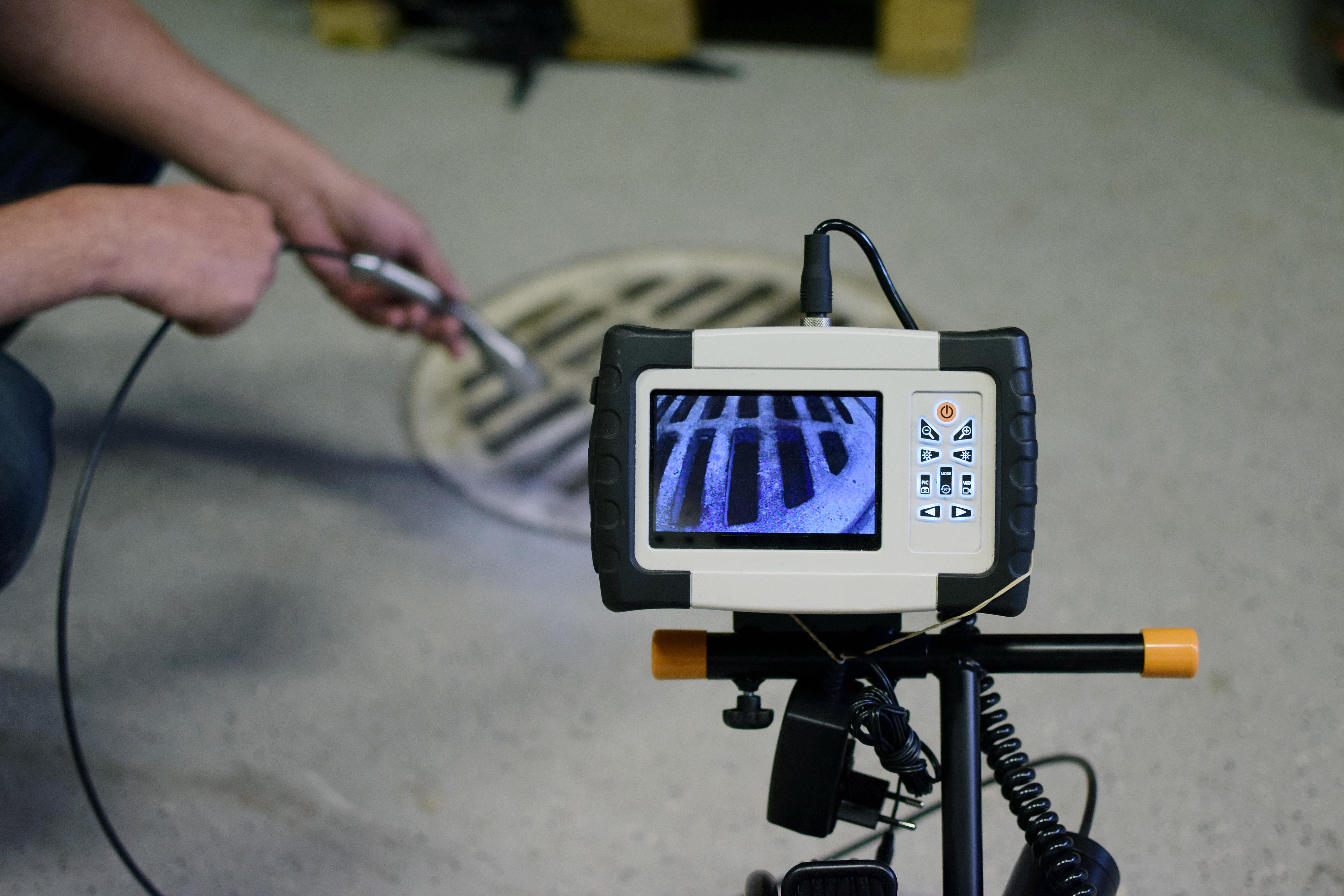 l'inspection par caméra pour traiter les canalisations bouchées